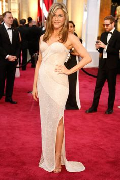 Jennifer Aniston in Versace from the #Oscars 2015. This would make a beautiful modern bridal gown!