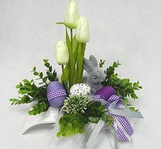 Egg Crafts, Easter Crafts, Paper Flower Arrangements, Easy Diy Christmas Gifts, Easter Flowers, Easter Wreaths, Faux Flowers, Spring Crafts, Flower Crafts
