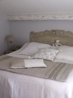 I would add pale ice blue aqua accent pillows to the bed. Beach House Bedroom, Home Bedroom, Master Bedroom, Bedroom Decor, My French Country Home, Coastal Bedrooms, Stylish Bedroom, Comfy Bed, Headboards For Beds