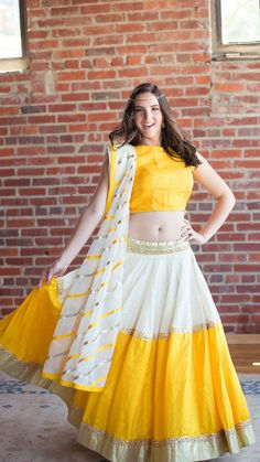 Yello + white lehnga with matching dupatta😊😊wow. Half Saree Designs, Choli Designs, Lehenga Designs, Blouse Designs, Indian Skirt, Indian Dresses, Indian Outfits, Pakistani Outfits, Maxi Outfits