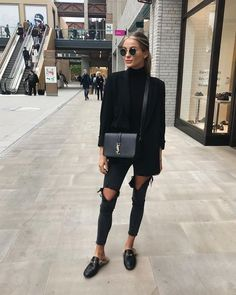 Black Outfit Ideas all black outfits 2019 outfit diy Black Outfit. Here is Black Outfit Ideas for you. Black Outfit black outfits that are slimming stunning and simple. Black Outfit the most stylish all . Mode Outfits, Casual Outfits, Fashion Outfits, Fashion Clothes, All Black Outfit Casual, Black On Black Outfits, Dress Fashion, Woman Outfits, Black Ripped Jeans Outfit