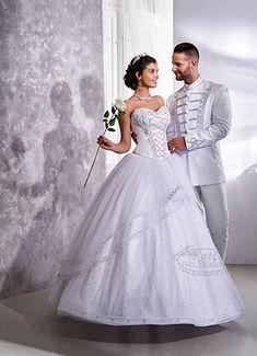Hófehér menyasszonyi ruha magyaros sujtással, Swarovski kristállyal díszítve. Hozzá illő férfi bocskai viselet, fehér-ezüst színben. Wedding Dresses, Weddings, Fashion, Dress, Wedding, Gowns, Projects, Bride Dresses, Moda