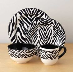 Stunning ideas to use zebra print and pattern to decorating interior design, zebra print decor ideas for all home parts, wall, furniture,.