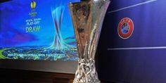 S-a incheiat si tragerea la sorti a meciurilor din play-off-ul Europa League, editia 2013-2014. http://www.kalibet.ro/pariuri-sportive/stiri-sportive/fotbal/uefa-europa-league/programul-meciurilor-din-play-off-ul-europa-league.html
