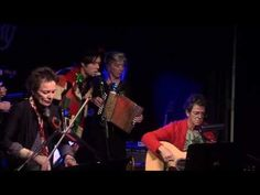 Lou Reed, Laurie Anderson,   Rufus Wainwright, Martha Wainwright and the McGarrigle sisters. Blue Christmas At the Knitting Factory NY - YouTube