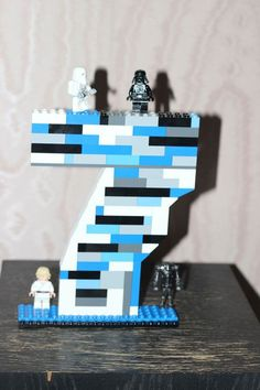 Fun DIY Lego Star Wars Birthday Display   Birthday Seven Lego Figurine by DIY Ready at http://diyready.com/11-diy-lego-star-wars-ideas/