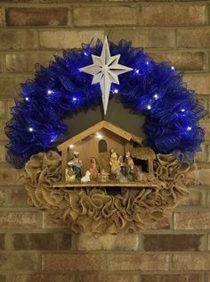 X-LARGE 23 Nativity Wreath made with Beige Burlap & Blue Deco Metallic Mesh. Adorned with Battery operated lights That h Diy Nativity, Christmas Nativity, Christmas Crafts, Christmas Ornaments, Christmas Holiday, Nativity Scenes, Christmas Things, Felt Ornaments, Christmas Printables