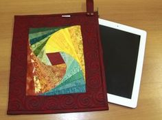 Arte Brasil   Porta Tablet em Twist Log Cabin - Ana Cosentino