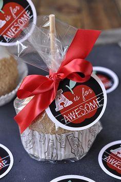 Caramel Apple Teacher Appreciation Gift Idea #teacher #appreciation #gift skiptomylou.org
