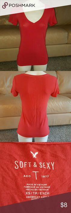 Vneck super soft top This top is so soft! Preloved still in good shape! Smoke free home. American Eagle Outfitters Tops