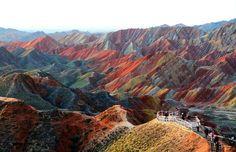 Le meravigliose montagne colorate della Danxia Cinese