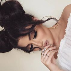 Find images and videos about hair, beauty and makeup on We Heart It - the app to get lost in what you love. Beauty Make-up, Beauty Hacks, Hair Beauty, Hair Colorful, Eye Makeup, Hair Makeup, Matte Makeup, Neutral Makeup, Wigs For Sale