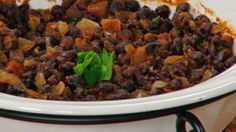 Forget about baked beans. This easy black bean casserole recipe is tasty and cheap with only five ingredients. Serve as a side dish or a one pot meal. Low Sugar Recipes, Vegan Recipes Easy, Vegetarian Recipes, Cooking Recipes, Vegan Meals, Vegan Food, Quick Healthy Meals, Healthy Snacks, Healthy Eating
