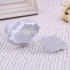 Plastic Rhombus Pattern Fondant Plunger Cake Cutter Mould Set of 2  http://www.shareasale.com/m-pr.cfm?merchantID=51900&userID=1014066&productID=559443089