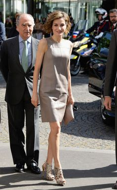 Queens & Princesses - King Felipe and Queen Letizia wrapped up their first state visit to France with a visit to the Cervantes Institute