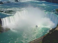 Niagra Falls ~ Canada-knocking a card out with the kids