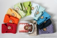 One Dog Woof: Warm and Toasty - Crocheted Mug Cozies. No pattern but I want to keep the idea and figure out how to make it on my own.