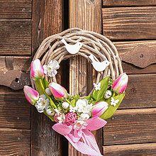 Veniec s ružovými tulipánmi / Hydrangea - SAShE.sk - Handmade Dekorácie Grapevine Wreath, Grape Vines, Easter, Diy, Home Decor, Decoration Home, Bricolage, Room Decor, Vineyard Vines
