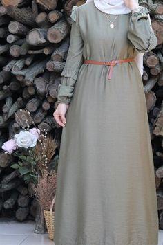 Muslim Women Fashion, Islamic Fashion, Stylish Hijab, Hijab Chic, Abaya Fashion, Fashion Dresses, Dress Design Patterns, Plus Size Fashion For Women Summer, Latest Dress Design