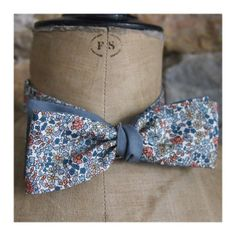 Noeud papillon - Liberty bleu gris et rose Wedding Colors, Wedding Ideas, Liberty Print, Mode Masculine, Got Married, Save The Date, Marie, Bows, Craft Ideas