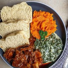 South African Dishes, South African Recipes, Ethnic Recipes, Cleaning Recipes, Cooking Recipes, Food Cravings, Food Dishes, Family Meals, Delish