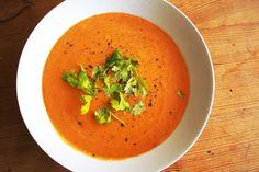 Indische Linsensuppe – Dal Suppe Diese Linsensuppe habe ich schon öfter einmal beim Inder meines Vertrauens in verschiedenen Variationen gegessen. Man braucht leider ein paar Gewürze mehr als…