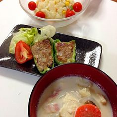 ピーマンの肉詰めは、お肉に椎茸も混ぜ込んでやや醤油も垂らしたので和風な感じになりました。 - 7件のもぐもぐ - ピーマンの肉詰め&豆乳スープ by MAYUMeeeee