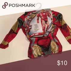 NEW 3T-4T Iron Man Costume Contains 1 padded jumpsuit and 1 headpiece. Smoke free home. 💥Price is negotiable💥  🔥Offers are considered🔥 📦Same day or next day mail out if not on the weekend📦 Bundle 2 or more and get 15% off. BUNDLE 6 OR MORE AND I WILL REIMBURSE THE SHIPPING FEE. Costumes Halloween