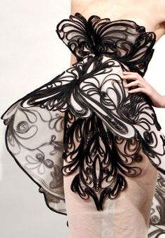 Like the wings of a butterfly …   beboldwearblack:    Marchesa Spring 2011 RTW