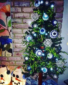 Oh Bauble Tree Oh Bauble Tree how pretty are your baubles??? Last bauble pic. I promise!!! #yarnporn #yarnlove #yarnaddict #haken #crochet #crochetaddict #crocheting #meiguidesigns #sfmgsswoon #crochetchristmas #knitcraftsocial #baubles #crochetbaubles #bluechristmas #christmastime #christmastree #ganchillo #crochetgirlgang #crochetersofinstagram #etsyshop #creativehappylife #craftastherapy #craftygirl 🎄💙🎄❄️❄️🎄💙🎄❄️❄️🎄💙🎄❄️❄️🎄💙🎄