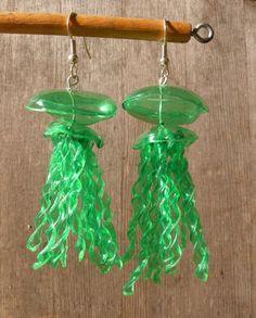 Green Jellyfish Earrings Made From Recycled Plastic Plastic Bottle Art, Reuse Plastic Bottles, Diy Bottle, Bottle Crafts, Plastic Jugs, Bottle Jewelry, Plastic Jewelry, Glue Crafts, Diy Arts And Crafts