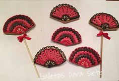 Galletas flamencas. Flamenco Party, Flamenco Dancers, Paella Party, Spanish Heritage, Cookie Designs, Holiday Desserts, 21st Birthday, Birthday Decorations, Cookie Decorating