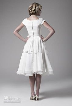 I love the simplicity of this dress...