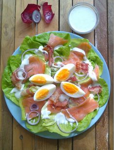 6 Best Hip Exercises for Women Health : Sport for Women in 2020 - Frau Creme Fraiche, Salmon Salad, Weird Food, Recipe Images, Good Healthy Recipes, Perfect Food, Tasty Dishes, No Cook Meals, Salad Recipes