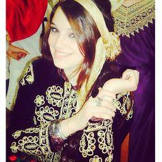 La chanteuse membre de la page Numidia en tenue Algeroise  #beauty #algerie @numidialezoul #bladi