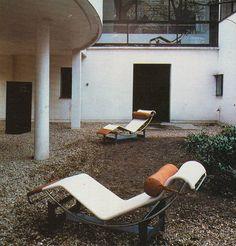 corbusier courtyard