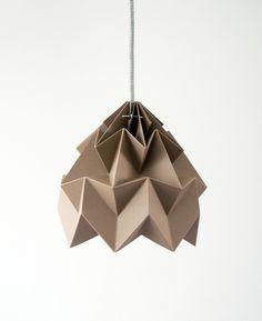 Pantallas de lámpara - Moth origami lampshade brown - hecho a mano por Studio-Snowpuppe en DaWanda