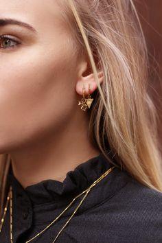 Heart Solid Gold Screw Back Earring Studs, XS Size (Single or Pair, Dainty Darling Tiny Heart Shape Stud Earrings) Second Hole Piercings - Custom Jewelry Ideas Cartilage Earrings, Tragus, Stud Earrings, Diamond Earrings, Ear Jewelry, Fine Jewelry, Gold Jewelry, Cute Ear Piercings, Geometric Jewelry
