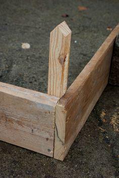 Tasseau fixé à une planche Potager Palettes, Veggie Patch, My Secret Garden, Outdoor Furniture, Outdoor Decor, Wood, Crafts, Palmiers, Gardening