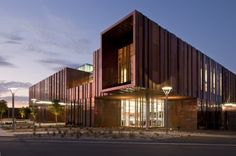 South Mountain Community Library / Richärd+Bauer | ArchDaily