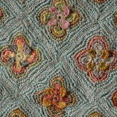 """Grande écharpe Sophie Digard, en lin, crochetée main - """"sealife in green"""""""