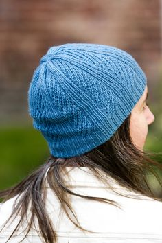 The Valley Yarns #714 Oblique Hat features a stretchy, unisex all-over pattern and is worked in Valley Yarns Huntington.