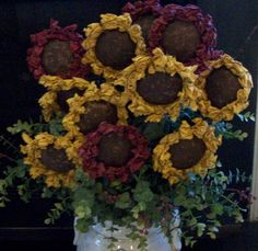 Three Primitive Sunflowers by primitivesbyshari on Etsy Cloth Flowers, Shabby Flowers, Diy Flowers, Fabric Flowers, Paper Flowers, Fall Crafts, Decor Crafts, Crafts To Make, Primitive Fall