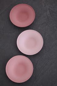 LIA Leuk Interieur Advies/Lovely Interior Advice: Ceramics and a pink star Dusty Pink, Dusty Rose, Pink Grey, Pink Color, Pale Pink, Color Combos, Color Schemes, Gris Rose, Pink Stars