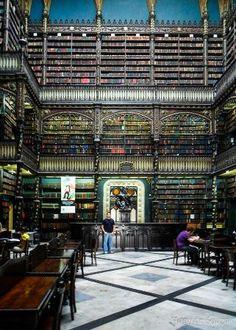 幻想図書館 「死ぬまでに行ってみたい世界の図書館15」 トリップアドバイザー