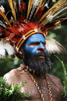 Mount Hagen sing-sing. Papua New Guinea, 2009.  from the world photography collection of Richard Notebaart of Radboud University, Netherlands.