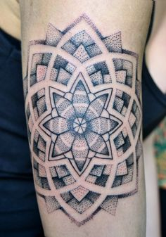 Tattoo by Manus / noumenius ink, Mandala de poder. Cinco horas.  Tattoo: Manus