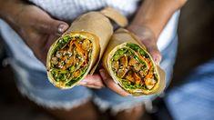 Wraps med svinekjøtt og sprø grønnsaker | Godt.no Taco Wraps, Frisk, Sandwiches, Tacos, Food And Drink, Mexican, Mango, Dinner, Cooking