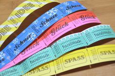 ticket Handmade(ハンドメイド) という文字がプリントされた、可愛いデザインのドイツのチケットです。 穴を開けてタグとして。。。 ホッチキスでとめて。。。色々ご活用いただけます。  約2.9x5.6cm tag