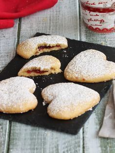 Here you can find a collection of Italian food to date to eat Italian Cookies, Italian Desserts, Italian Recipes, Italian Snacks, Biscotti Cookies, Galletas Cookies, Ganache Au Nutella, Sweet Pastries, Chocolates